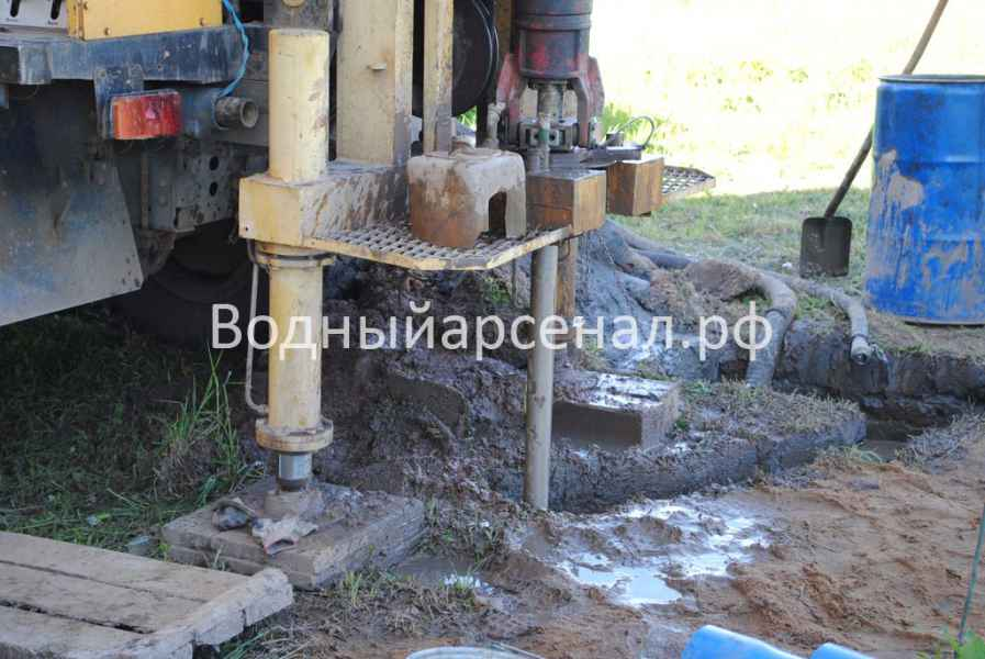 Фото бурения скважины на воду в Сергиево-Посадском районе, ДНП Дивный